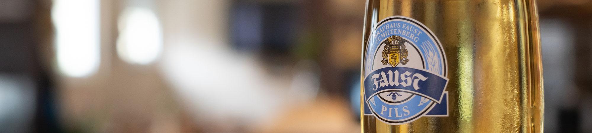 faust pils im bierglas